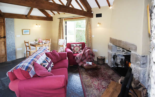 Monkstone Cottage - lounge and dining area